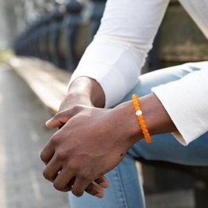 Lokai Bracelet NWT Size Medium Women's Unisex Orange Stretch Nami Collaboration